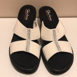20060d67467 Skechers Shoes - Sketchers Wedge Flip Flops